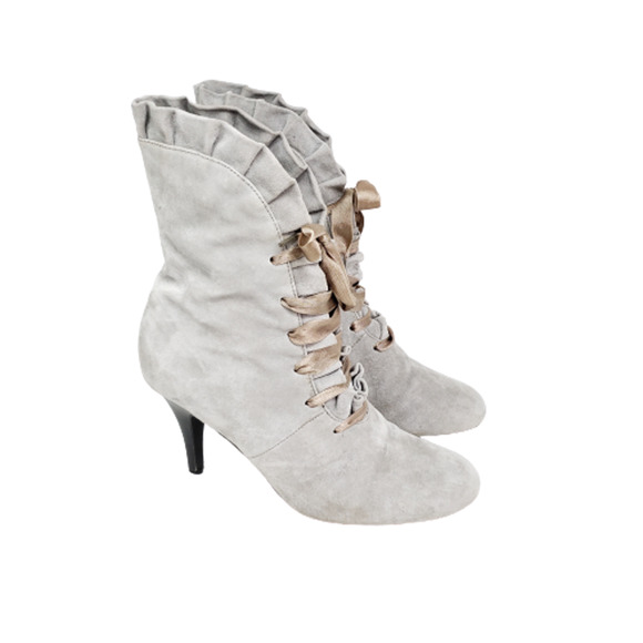 Spiegel Gray Suede Ruffle Lace Up Ankle Boot Sz 8
